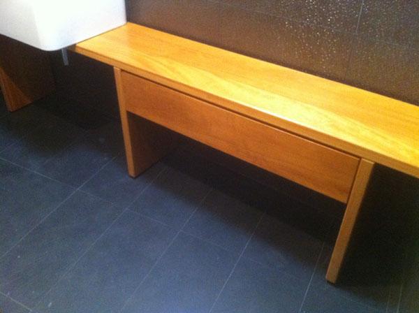 Muebles de lavabo en madera muebles yuste for Muebles de lavabo a medida