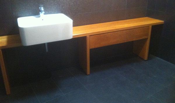Muebles de lavabo en madera muebles yuste - Fabricacion de muebles de madera ...