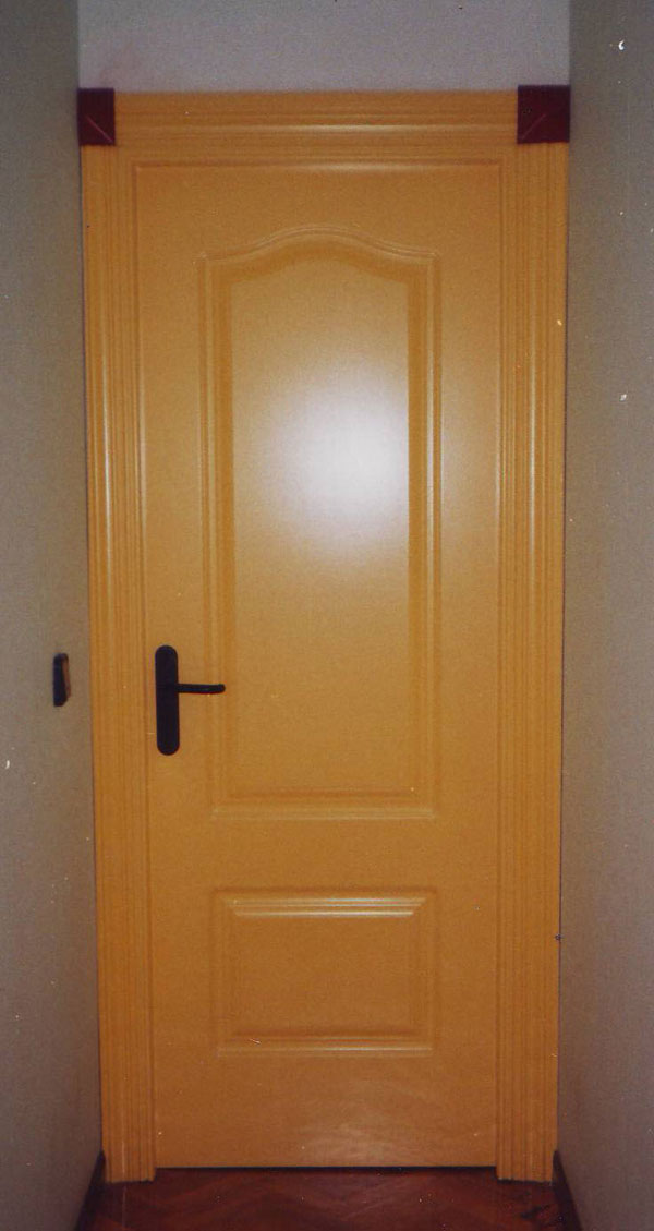 Puertas de interior lacadas muebles yuste for Puertas de interior lacadas